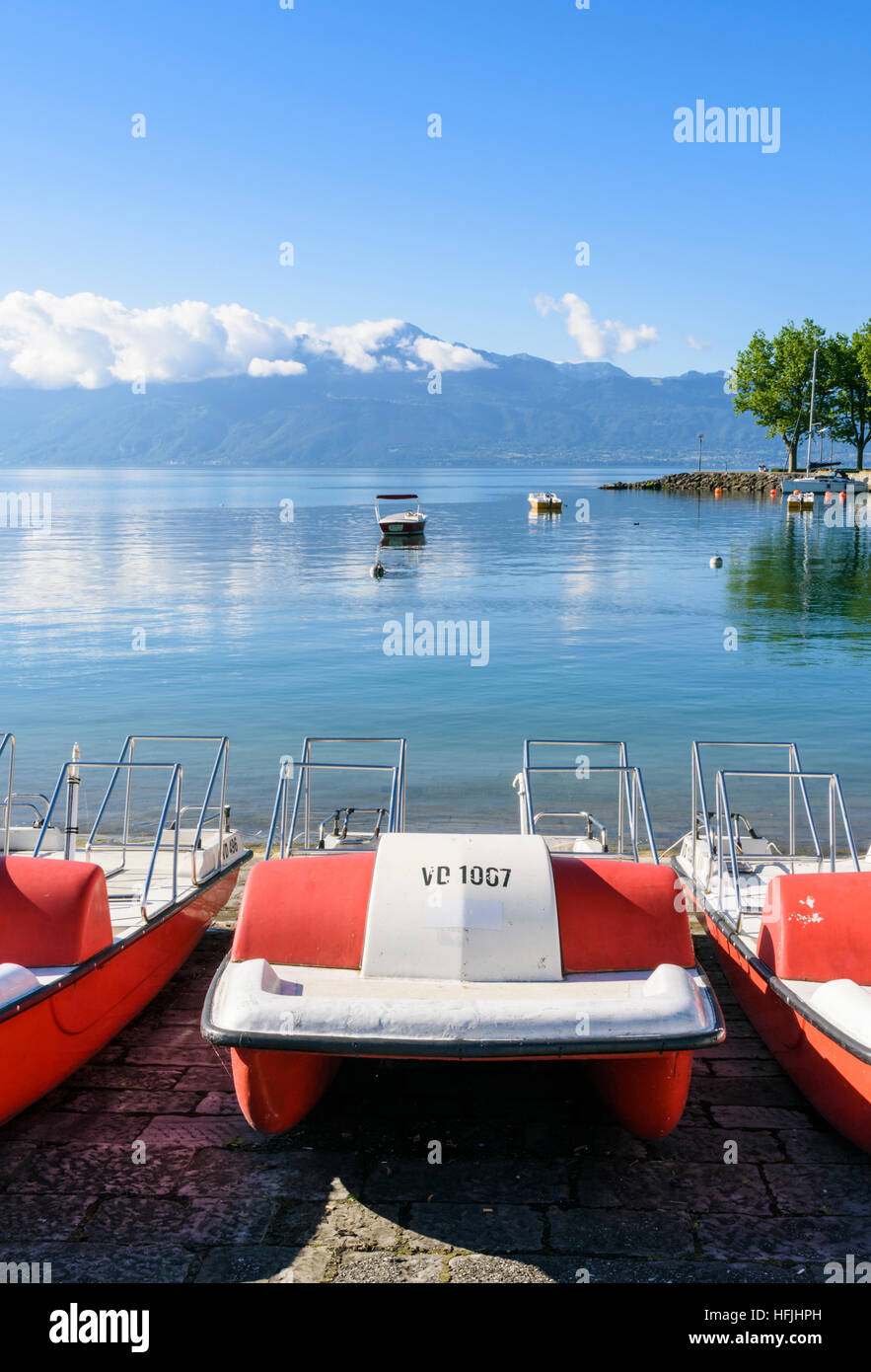 Hire pedal boats on the shore of Lac Leman, Ouchy, Lausanne, Vaud, Switzerland - Stock Image