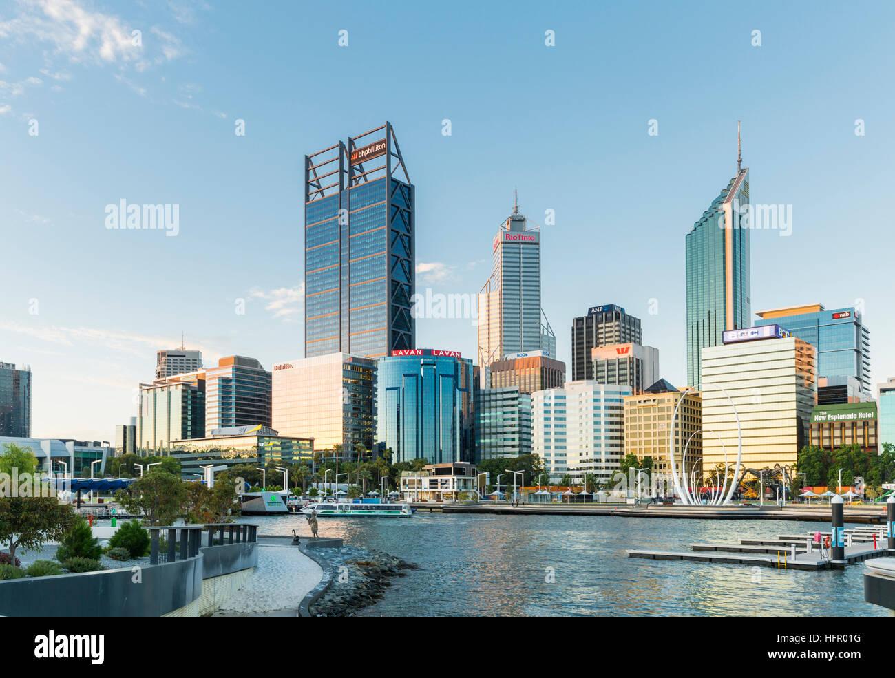 View across to the waterfront precinct of Elizabeth Quay to the city skyline beyond, Perth, Western Australia, Australia - Stock Image