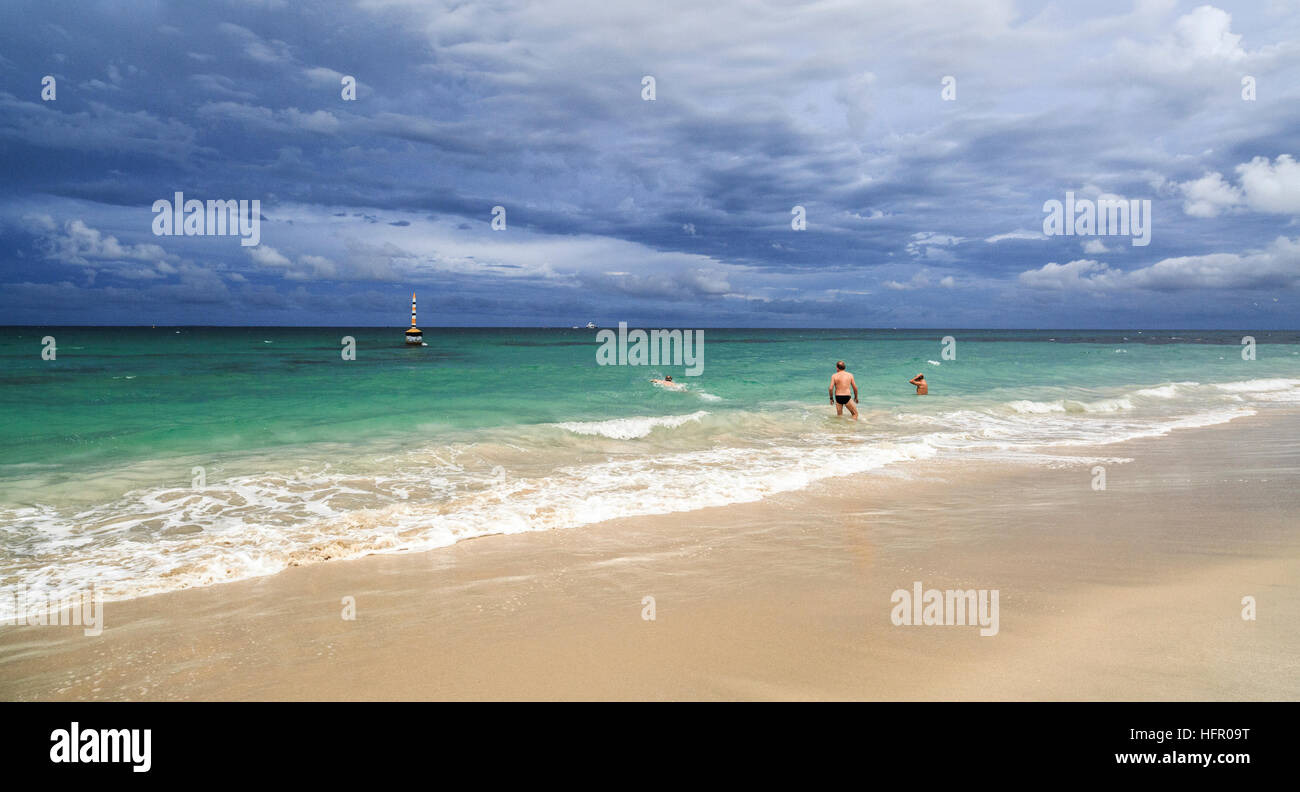 Seniors swimming in the sea at Cottesloe Beach - Stock Image