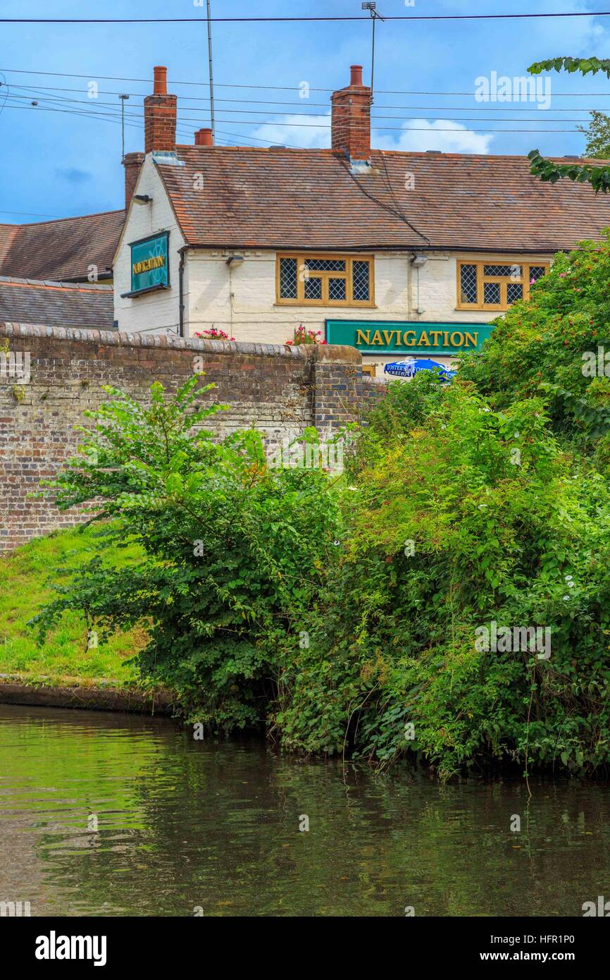 The Navigation Inn on the Staffordshire & Worcestershire Canal in Kingswinford - Stock Image