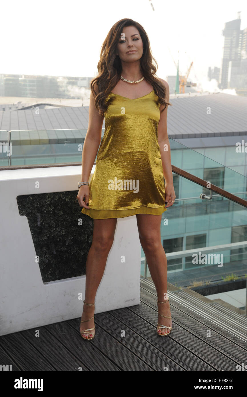 Jessica Wright Lights up London for Manuka Doctor Golden Christmas ...