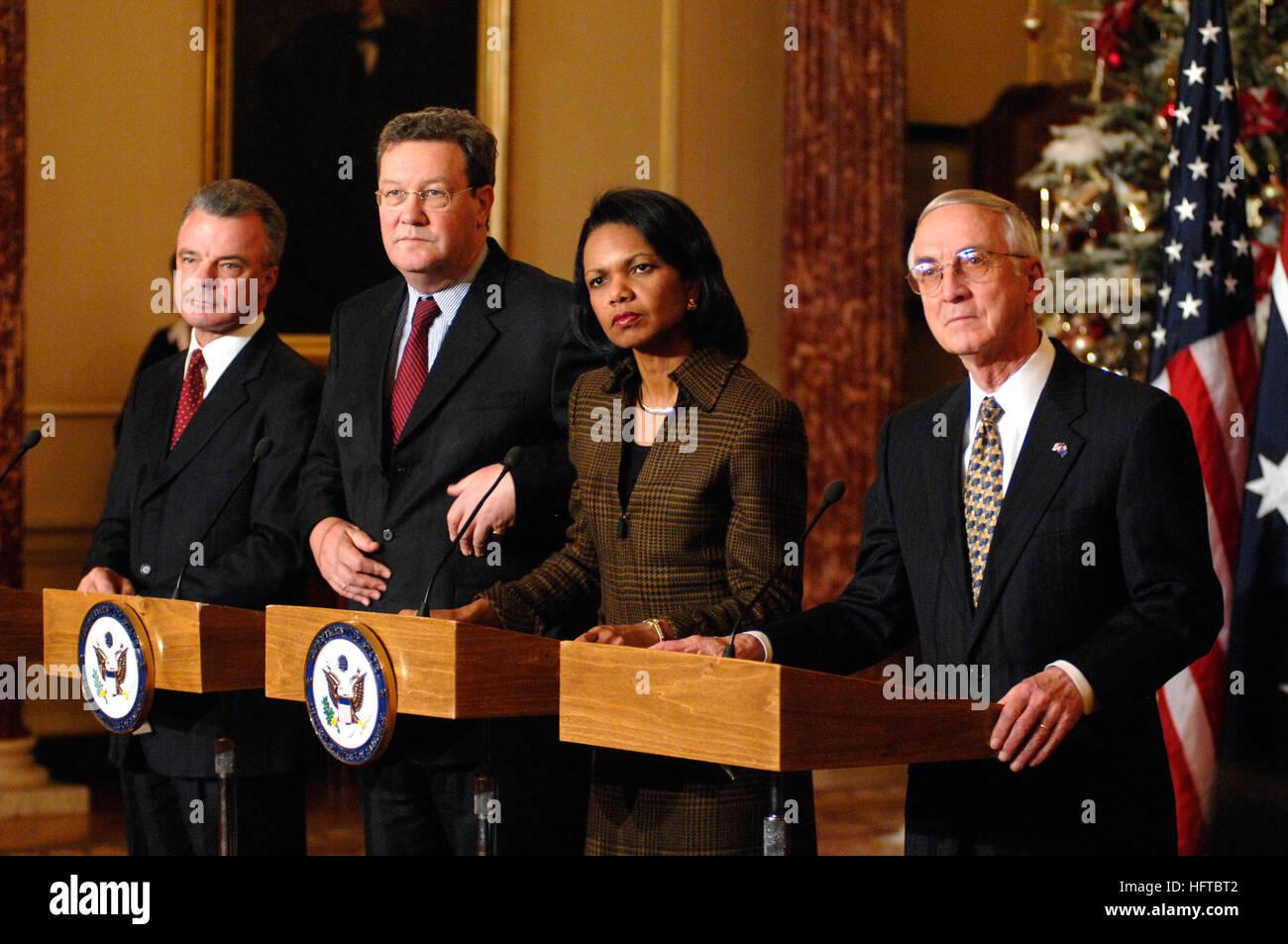 061212-N-3642E-151  Washington, D.C. (Dec. 12, 2006) - Deputy Secretary of Defense Gordon England, Secretary of - Stock Image