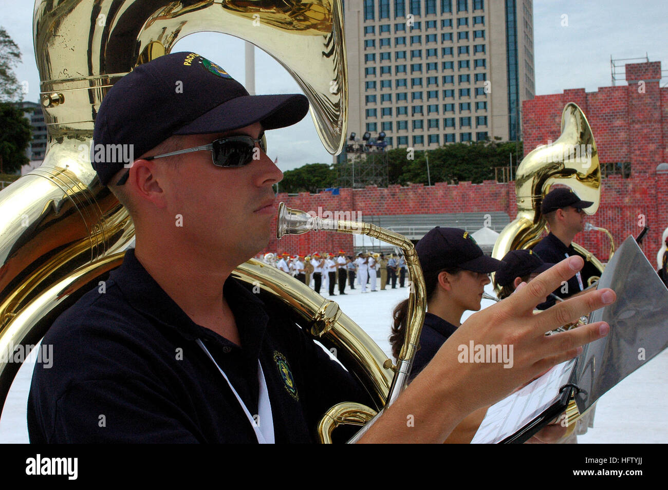 070902-N-5174T-002 KUALA LUMPUR, Malaysia (Sept. 2, 2007) - Musician 1st Class Brian Chaplow and other members of - Stock Image