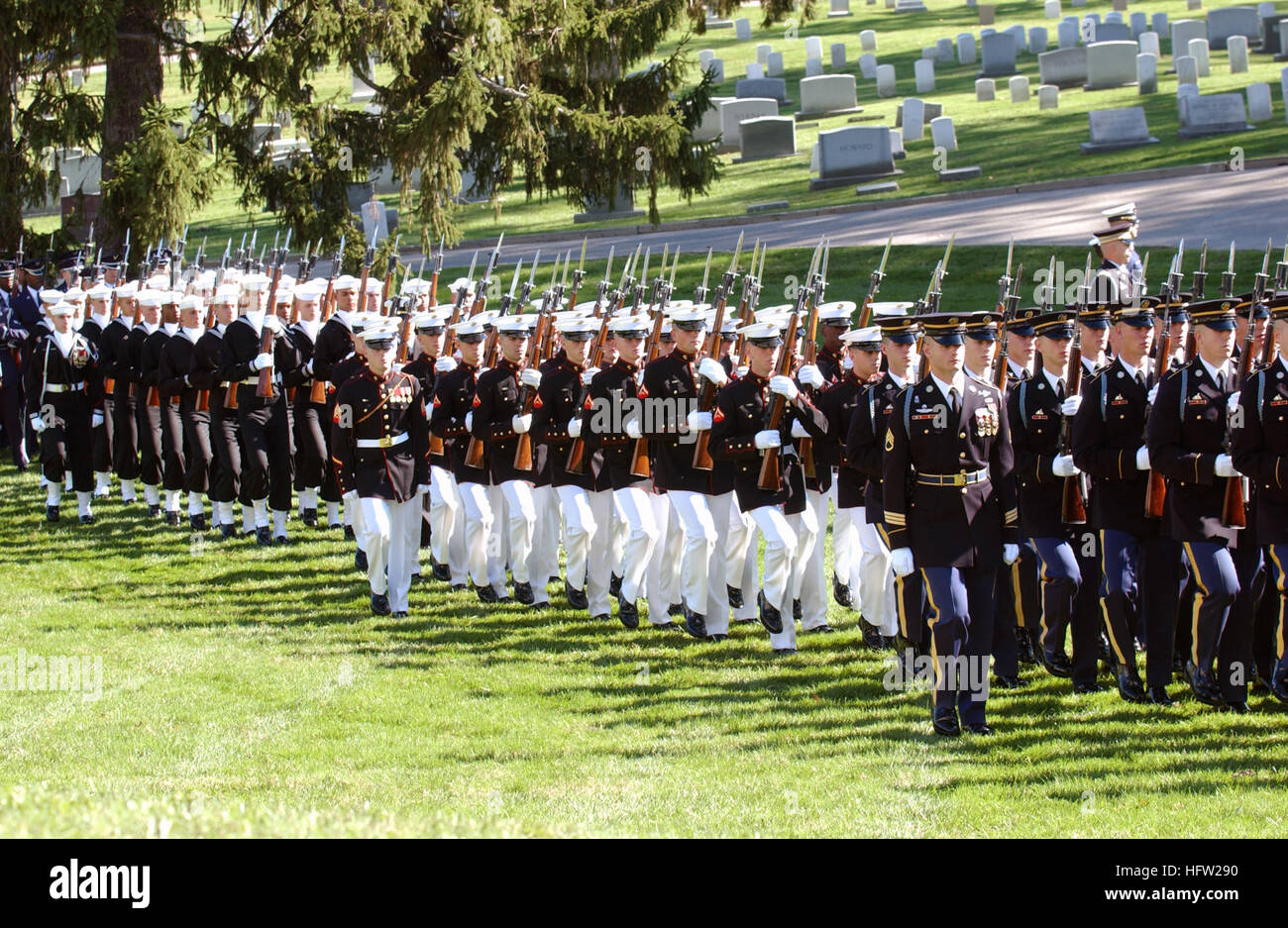071031-N-1134L-019 ANNAPOLIS, Md. (Oct. 31, 2007) - Ceremonial marching platoons assigned to Military District Washington - Stock Image