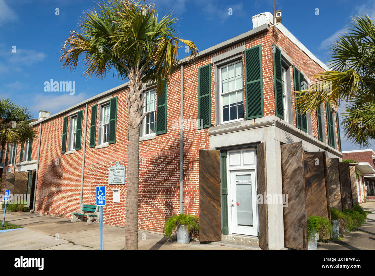 Florida, Historic Apalachicola City Hall at 1 Avenue E, site of one of the two remaining 1838 Cotton Warehouses - Stock Image