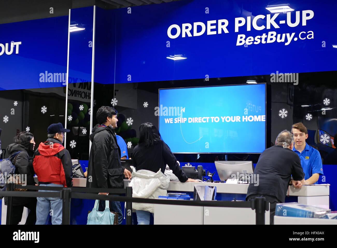 Best Buy Interior Store Stock Photos & Best Buy Interior Store Stock ...