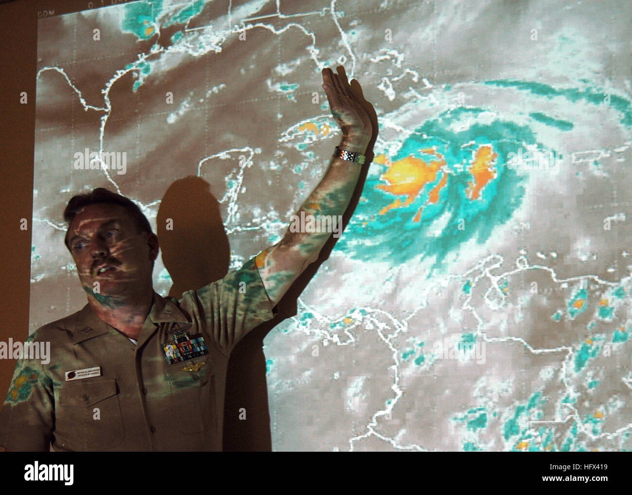 050707-N-4779D-015 Key West, Fla. (July 7, 2005) - Officer In Charge, Naval Atlantic Meteorology and Oceanography Stock Photo