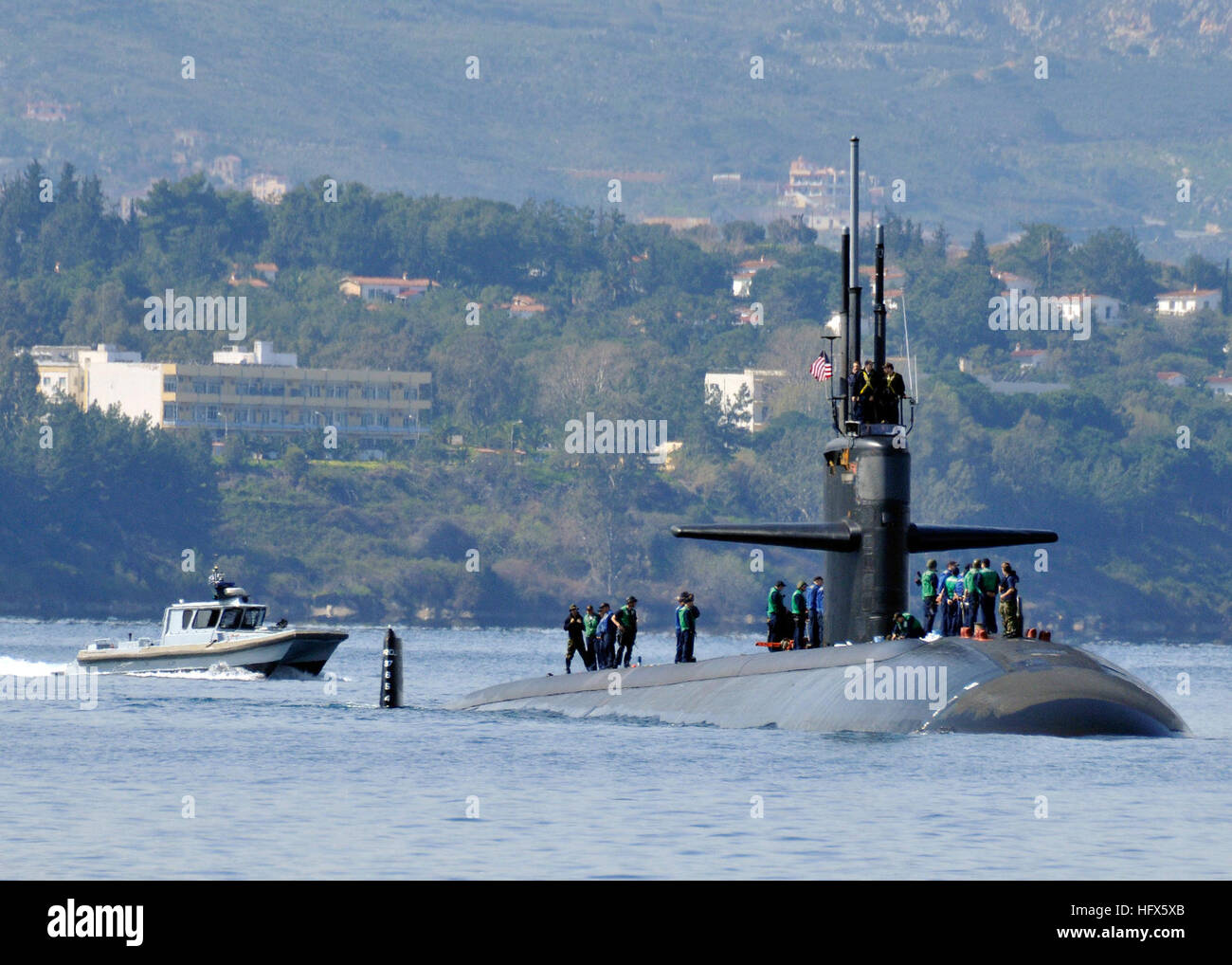 090222-N-0780F-001 SOUDA BAY (Feb. 22, 2009) The Los Angeles class attack submarine USS Albuquerque (SSN 706) is - Stock Image
