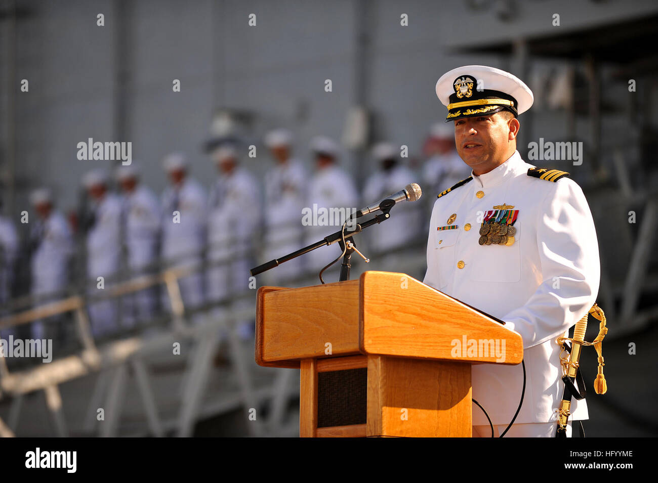 110729-N-YR391-007 MAYPORT, Fla. (July 29, 2011) Cmdr. Rolando Ramirez, commanding officer of the guided-missile - Stock Image
