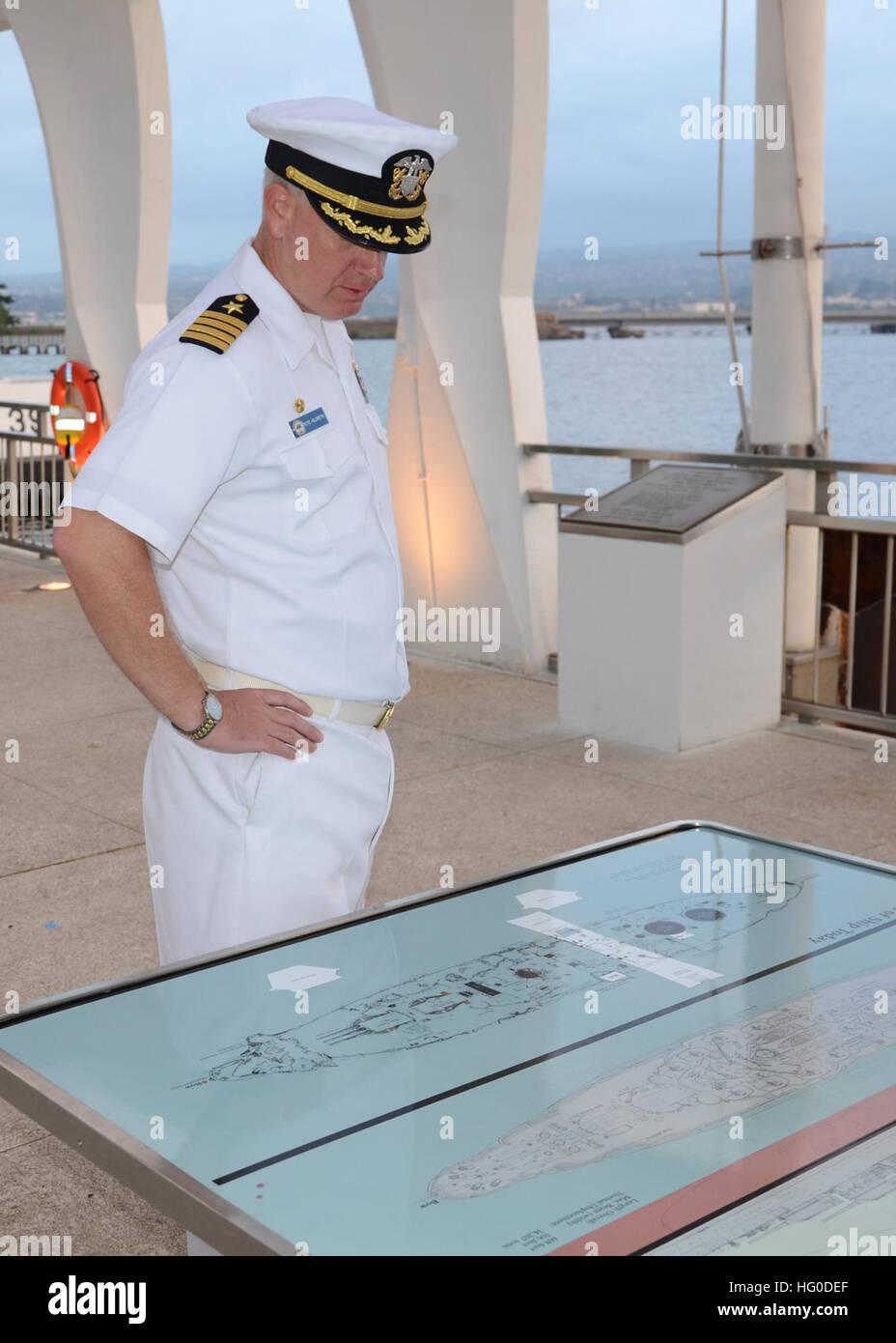120126-N-CO162-006 PEARL HARBOR (Jan. 27, 2012) Capt. Pete Hildreth, commanding officer of the submarine tender - Stock Image