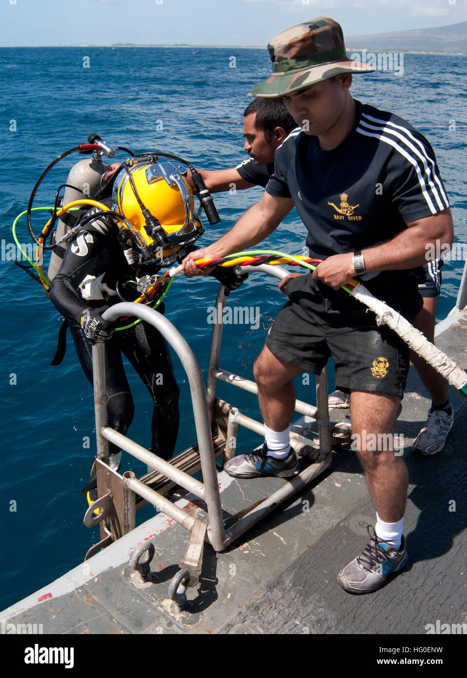 120213-N-WX059-049 PACIFIC OCEAN (Feb. 13, 2012) Indian navy Leading Seaman Clearance Diver 2nd Class Rajeev Kumar - Stock Image