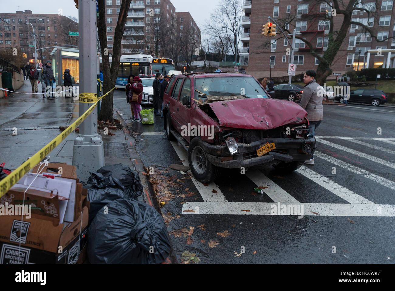 New York Ny Usa January 2 2017 Aftermath Of Car Accident In The