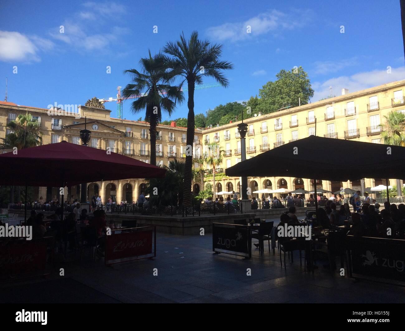 Bilbao, Spanien. 28th July, 2016. Die Altstadt von Bilbao (Spanien), aufgenommen am 28.07.2016. Aus der dahinsiechenden Stock Photo