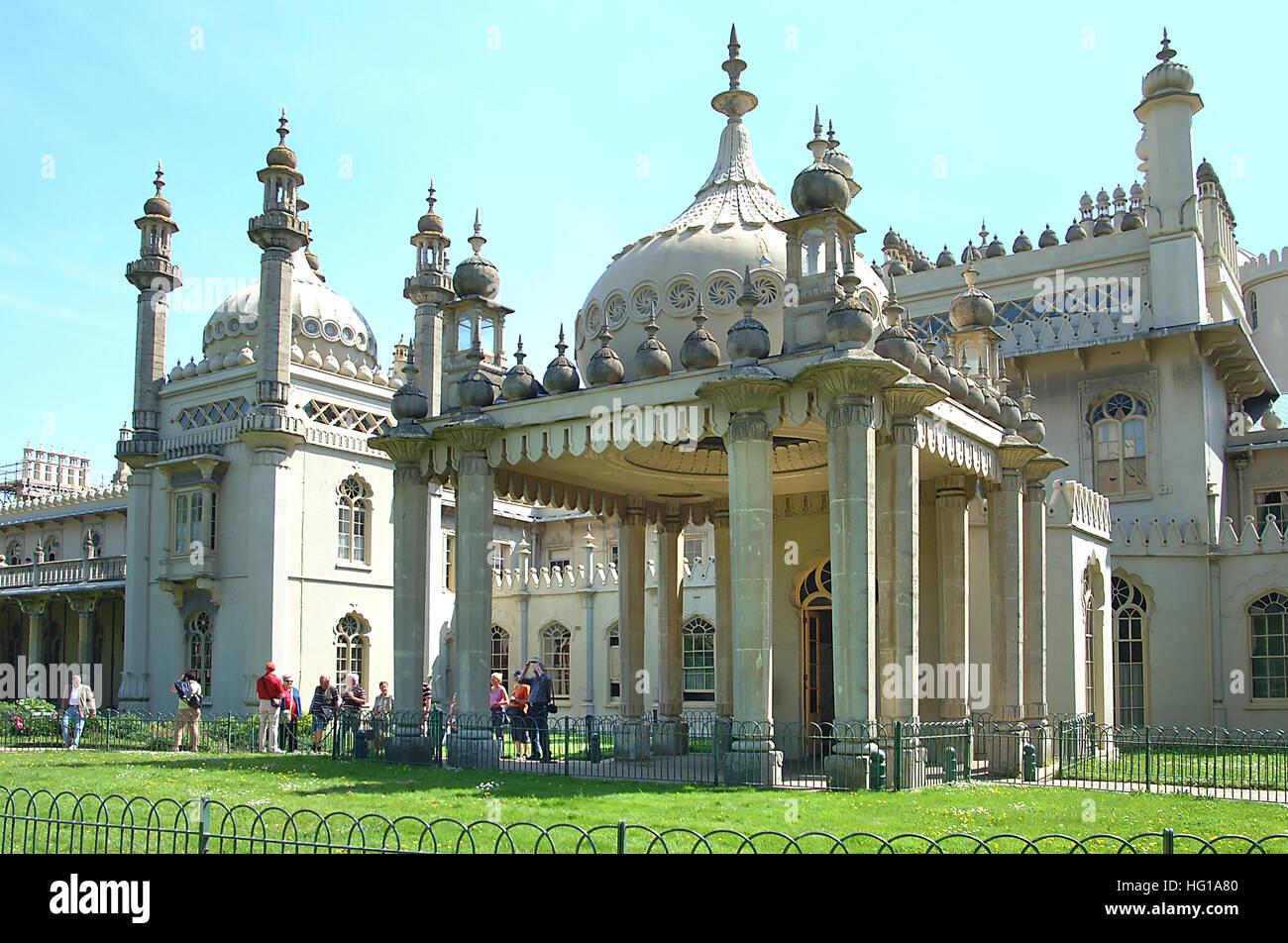 Visitors waiting to view inside Brighton Royal Pavilion. - Stock Image