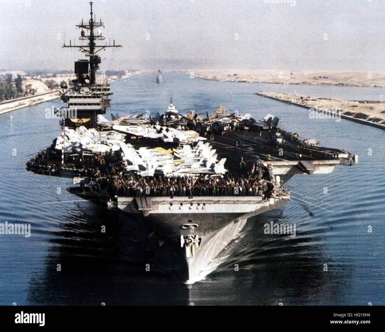 uss america  cv-66  in the suez canal 1991  bow view stock photo  130349888