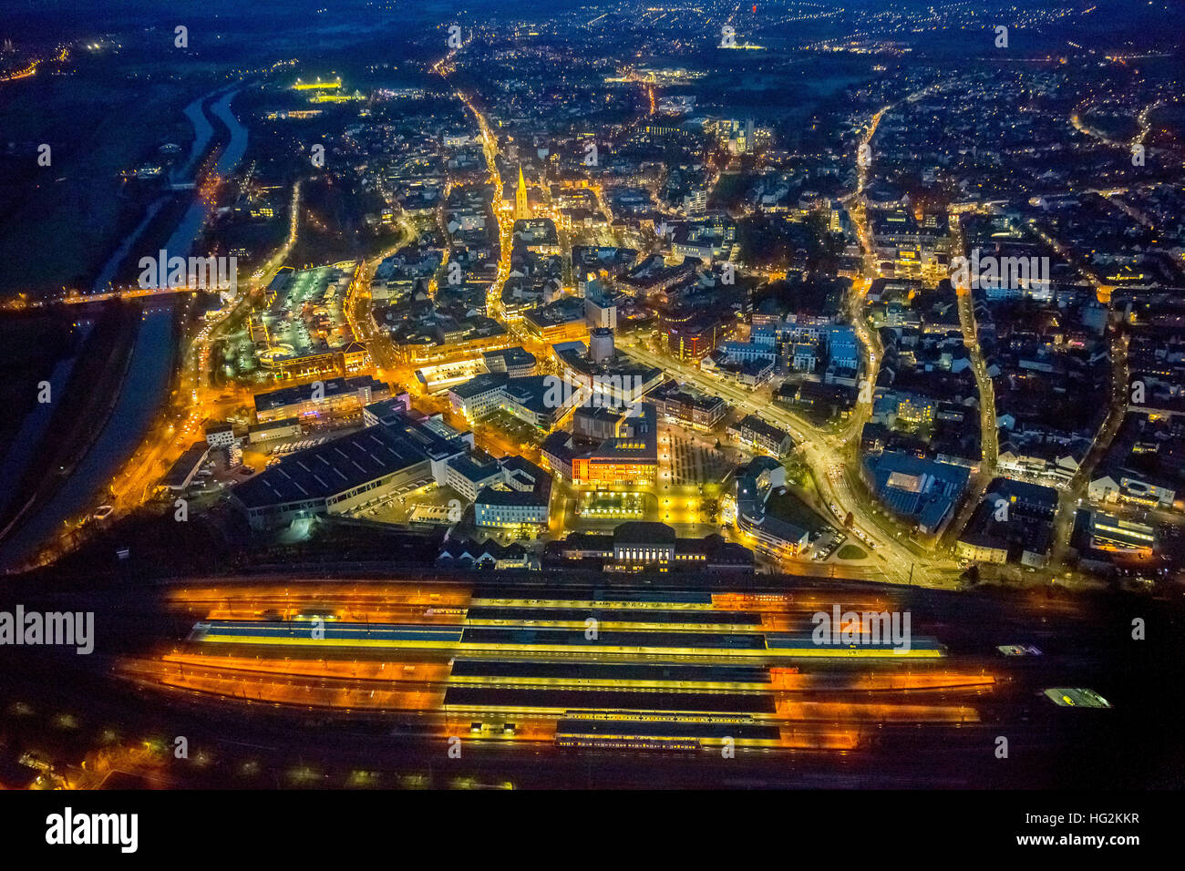Aerial view, night snapshot overview of Hamm with train and tracks, Hamm, nightlight, Ruhr aeria, north rhine-westphalia,Germany - Stock Image