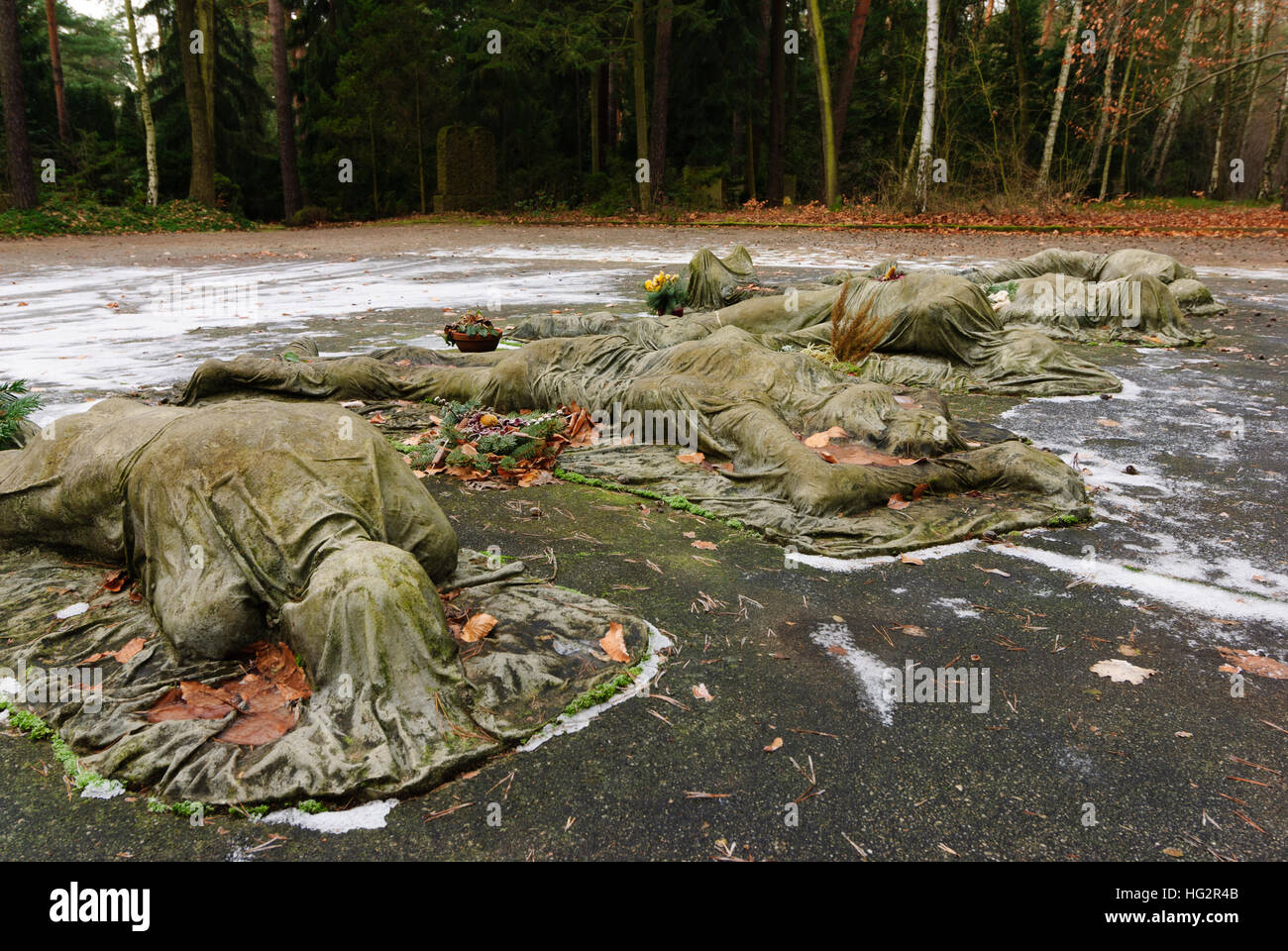 Dresden: Monument for war prisoners and forced laborers in the Second World War at the Heidefriedhof, , Sachsen, - Stock Image