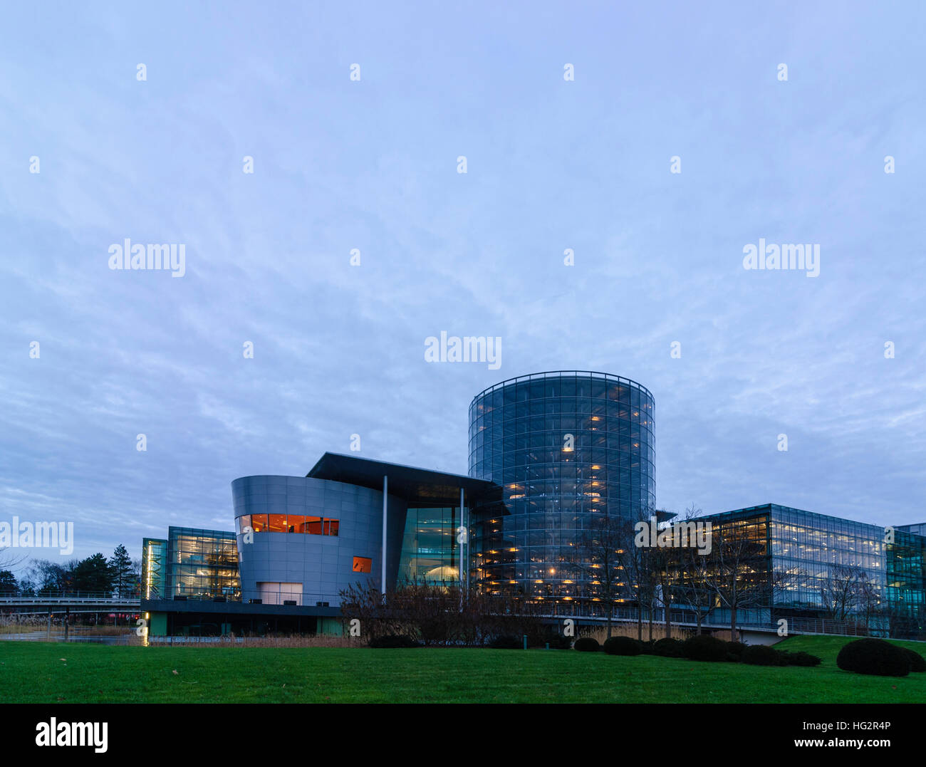 Dresden: Transparent manufactory of Volkswagen AG, , Sachsen, Saxony, Germany - Stock Image
