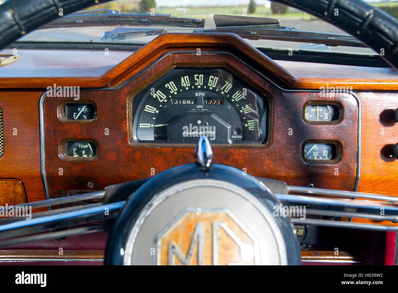MG Magnette ZA classic British sports saloon car speedometer in art deco dashboard Stock Photo