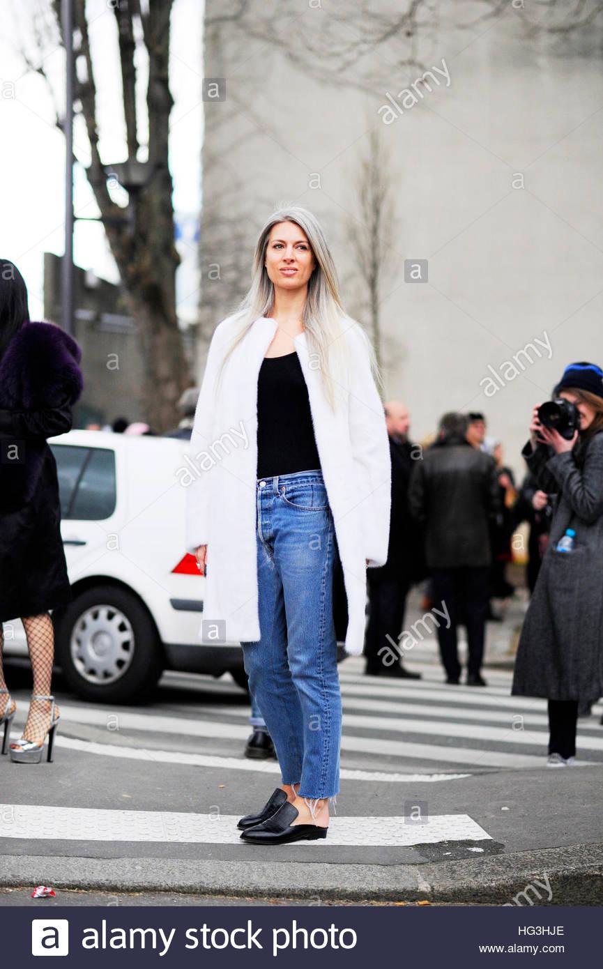 Sarah Harris after Chloe on avenue Félix d'Herelle, Paris Fashion Week, FW16,  AW16. - Stock Image