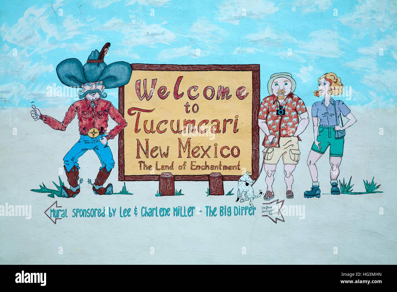 Welcome sign (by Lila Grace Sandoval-Padilla, 1999), Tucumcari, New Mexico USA - Stock Image