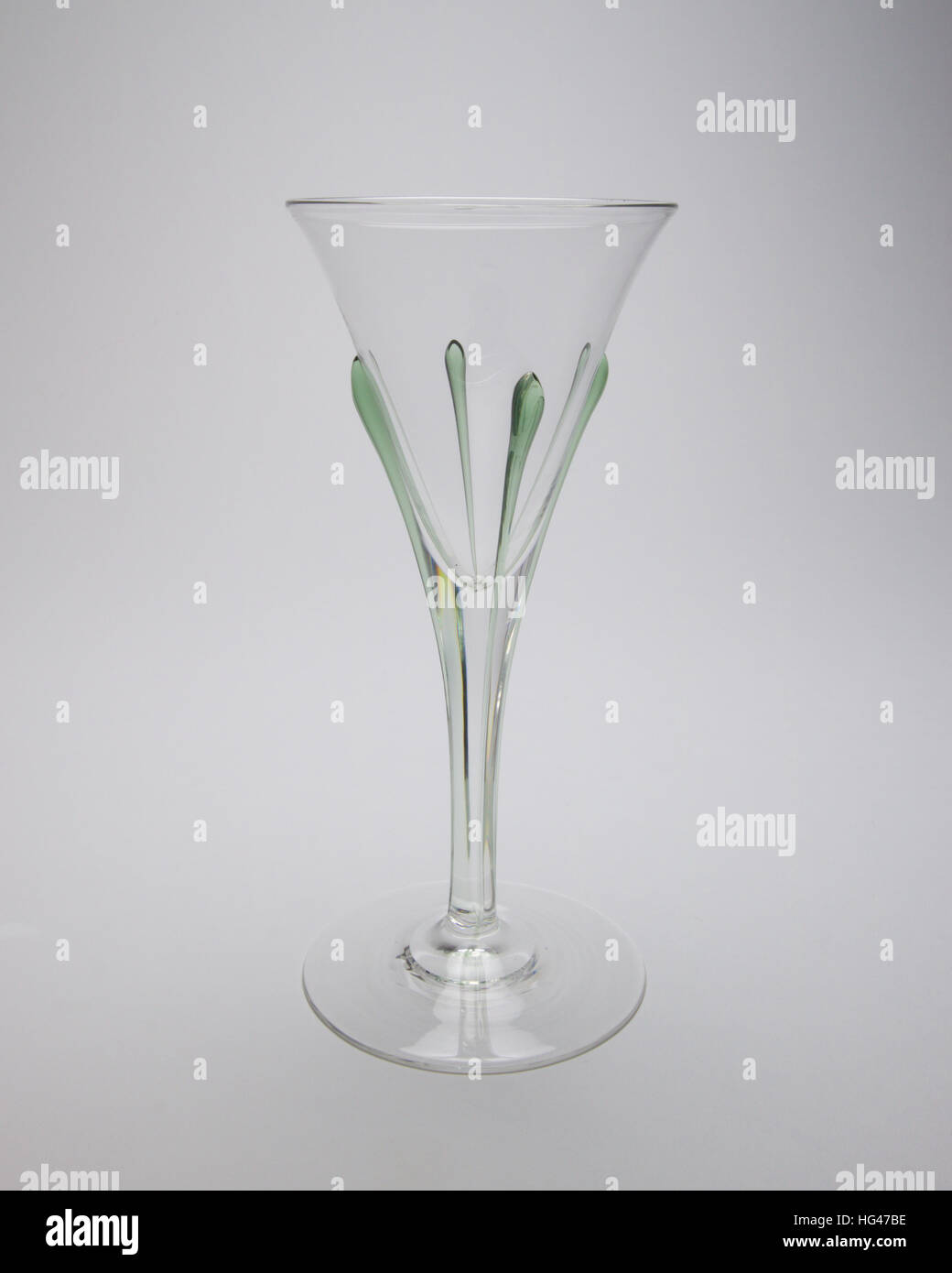 """Whitefriars James Powell Arts and Crafts """"Tear"""" wine glass probably designed by Harry Powell circa 1906. Conical - Stock Image"""