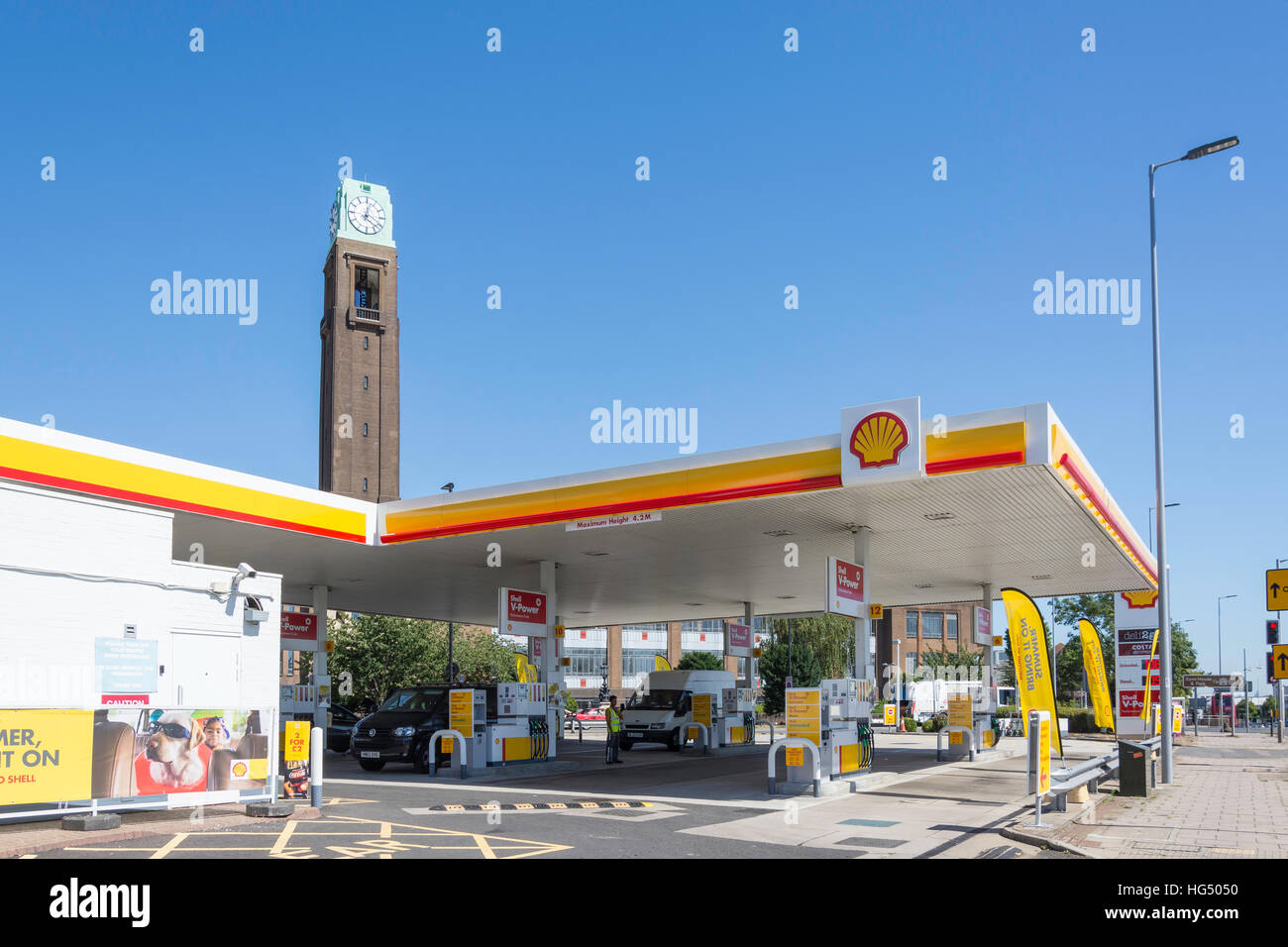 Shell garage, Gillette Corner, Great West Road, Isleworth, London Borough of Hounslow, Greater London, England, - Stock Image