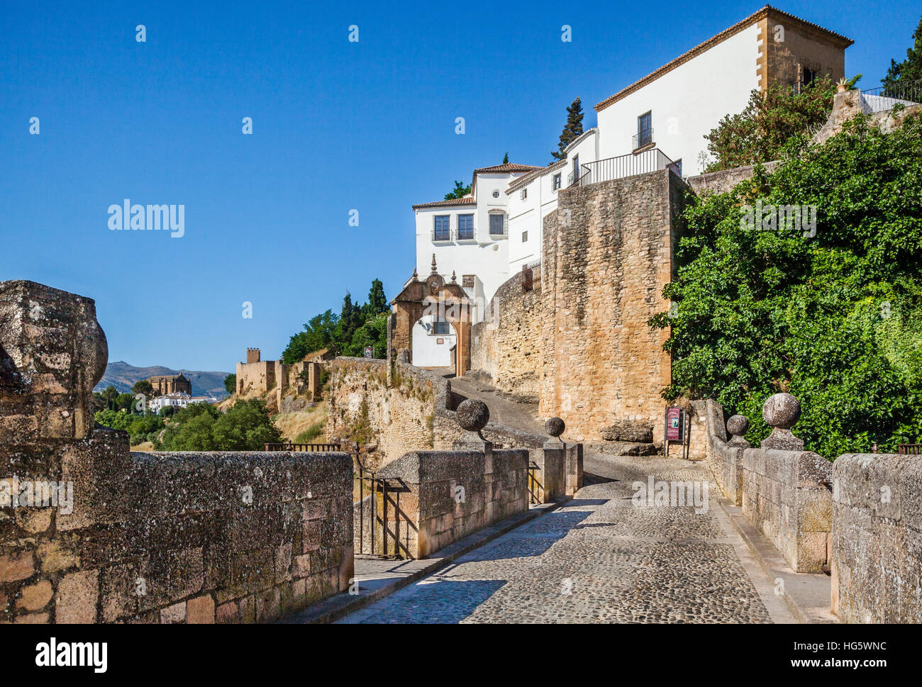 Spain, Andalusia, Province of Malaga, Ronda, Archway of Philip V (Arco de Filipe V/Puerta Filipe V) seen from Puente - Stock Image
