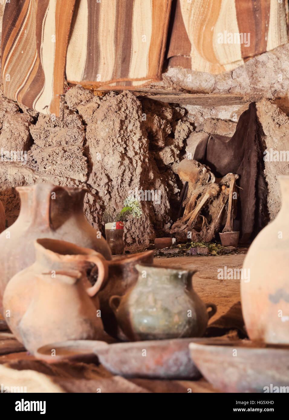 Bolivia, Potosi Departmant, Nor Lipez Province, Inca Mummy in a burial cave near Puerto Chuvica. - Stock Image