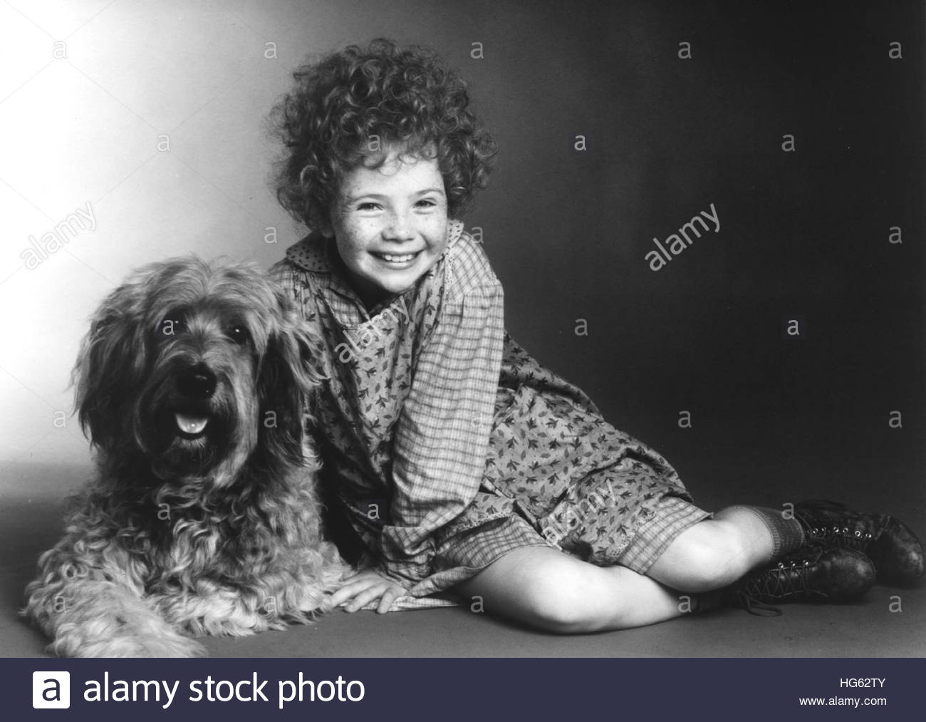 ANNIE (1982) - pictured:  Aileen Quinn. Editorial use only. - Stock Image