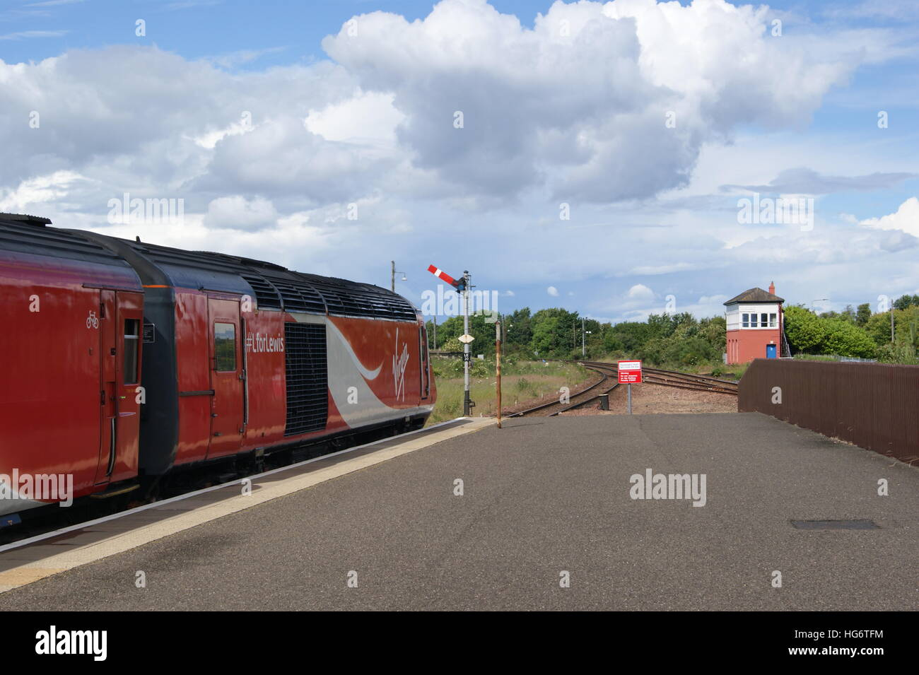 HST sits in Leuchars station in July 2016 branded in Virgin Trains East Coast livery & carrying the #LforLewis campaign Stock Photo