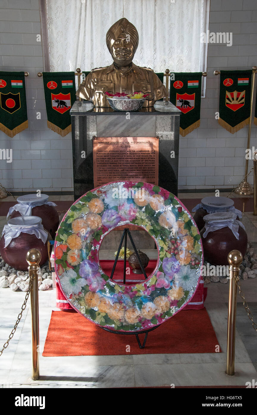 Memorial to Jaswant Singh, a hero of the 1962 India-China border conflict in the Tawang Chu valley, northeast India - Stock Image