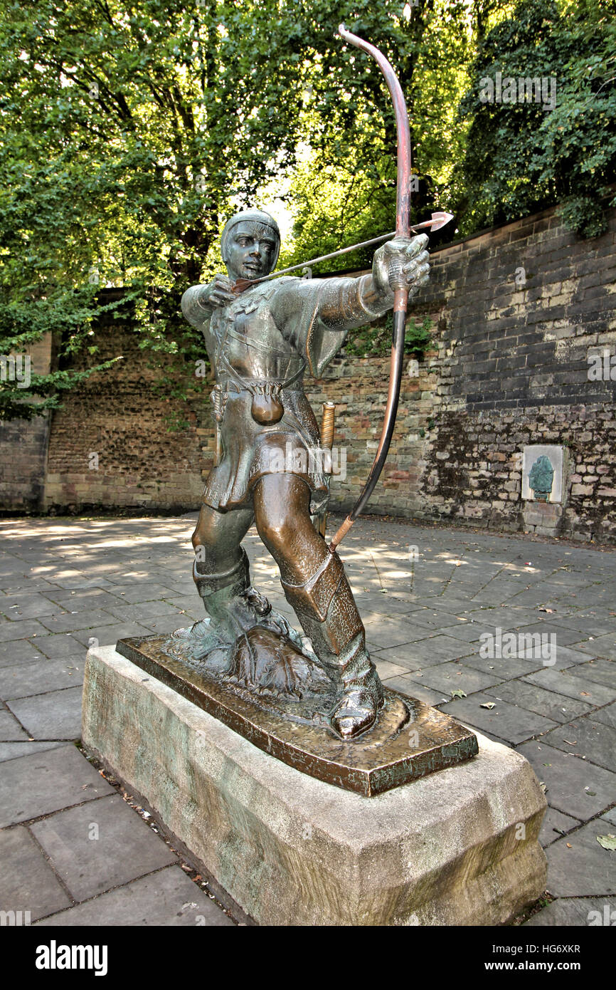 The statue of Robin Hood, which stands below Nottingham Castle in Nottinghamshire UK, near to the Trip to Jerusalem - Stock Image