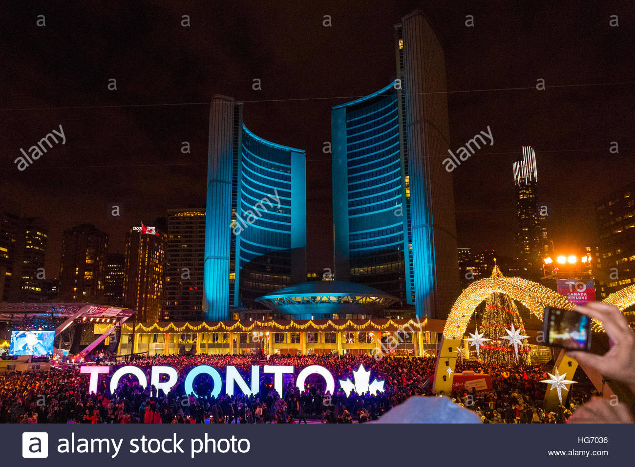 Phillips Christmas Lights.New Year S Eve Celebrations In Nathan Phillips Square Ice