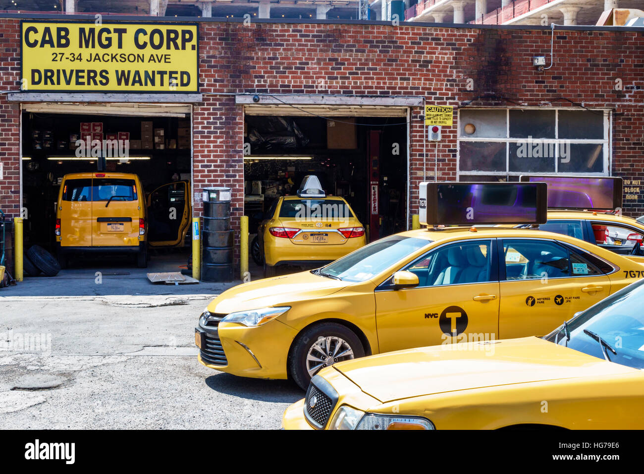 Taxi Garage High Resolution Stock Photography And Images Alamy
