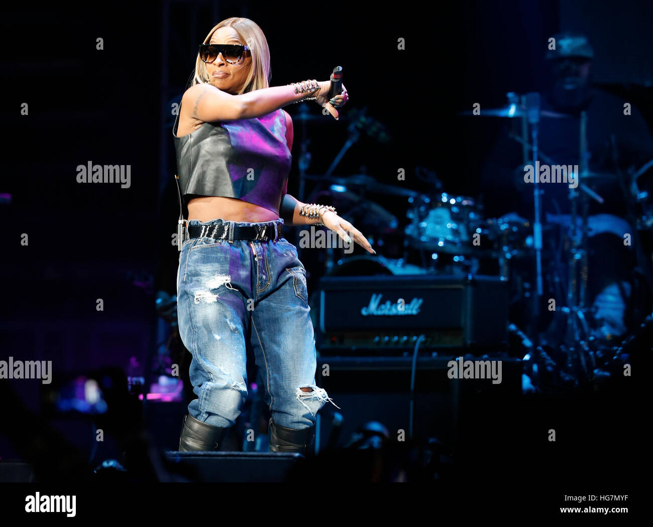 Mary J. Blige Performs at Hot 97's Hot For The Holidays - Stock Image