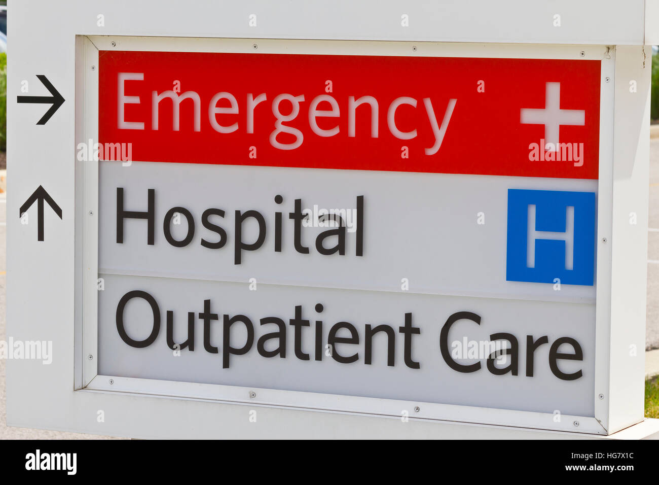 Emergency Entrance sign for a Local Hospital IV - Stock Image