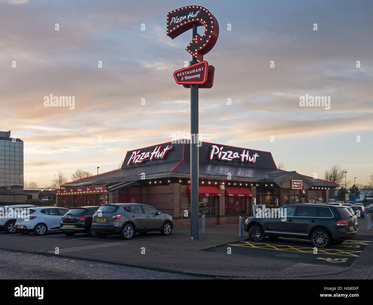 Pizza Hut Illuminated Sign And Restaurant At Metrocentre