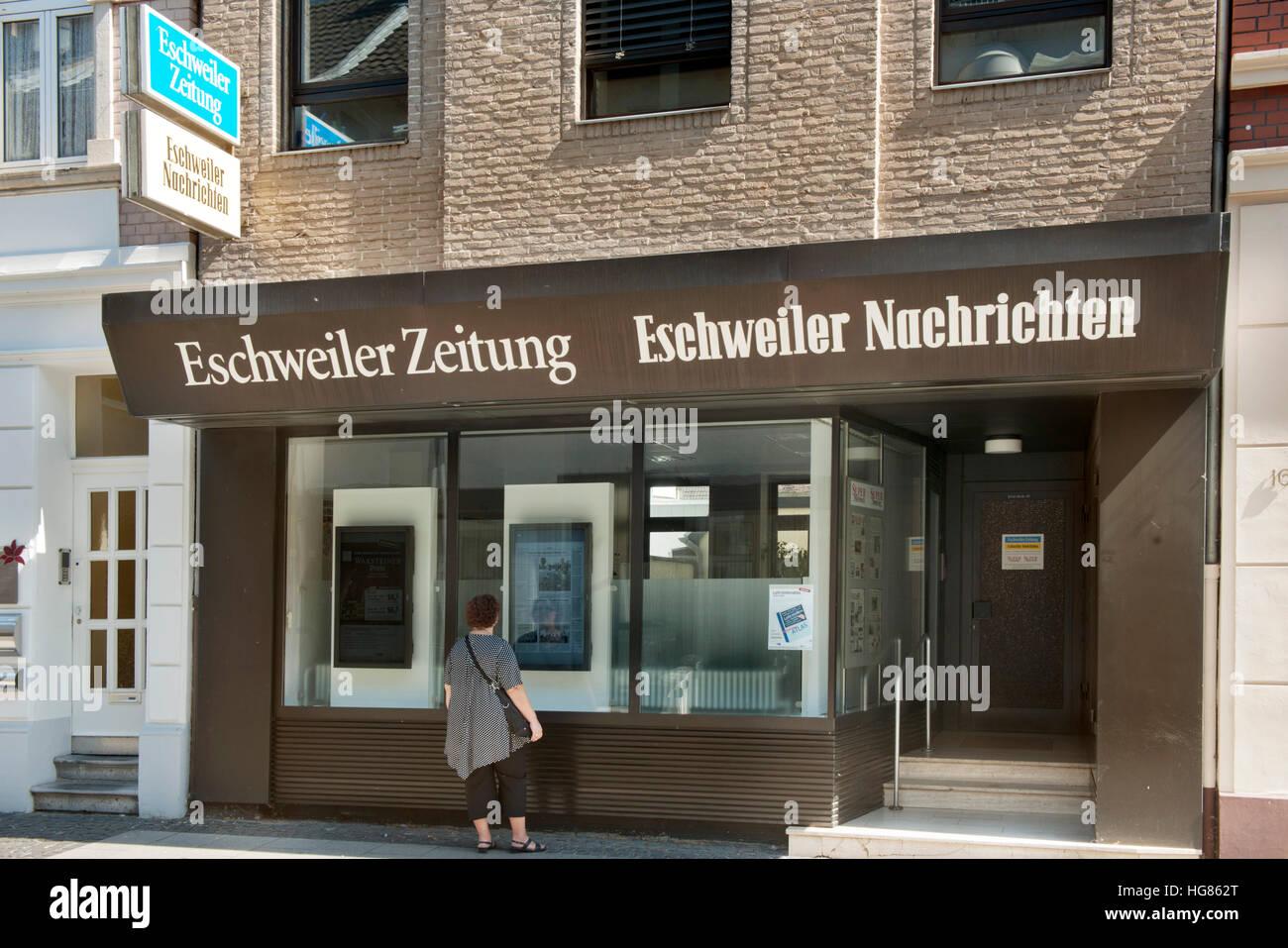 Deutschland, NRW, Städteregion Aachen, Eschweiler, Redaktion der Eschweiler Nachrichten in der Fußgängerzone - Stock Image