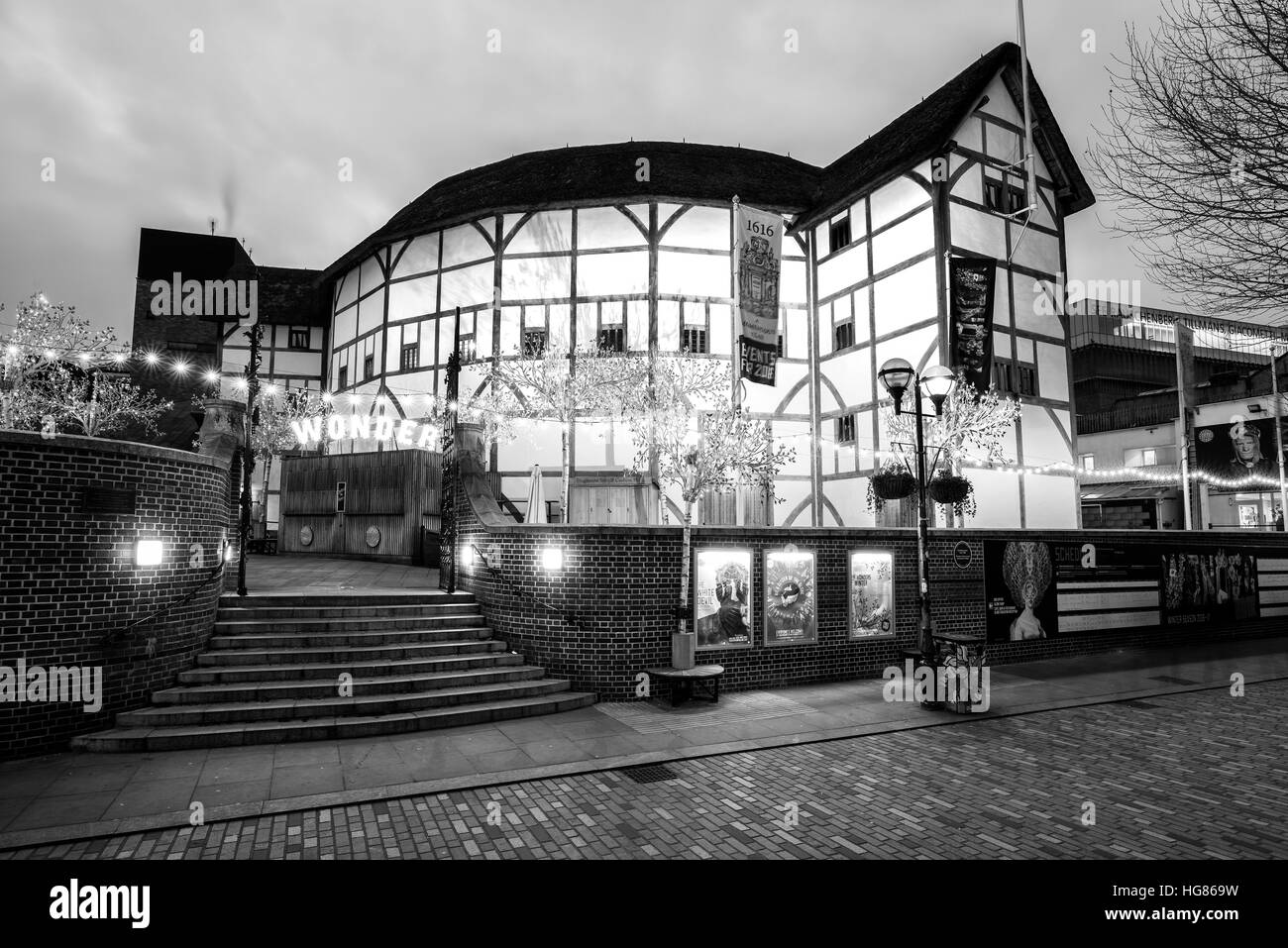 Globe theatre on the south bank of the rive Thames,  London. - Stock Image