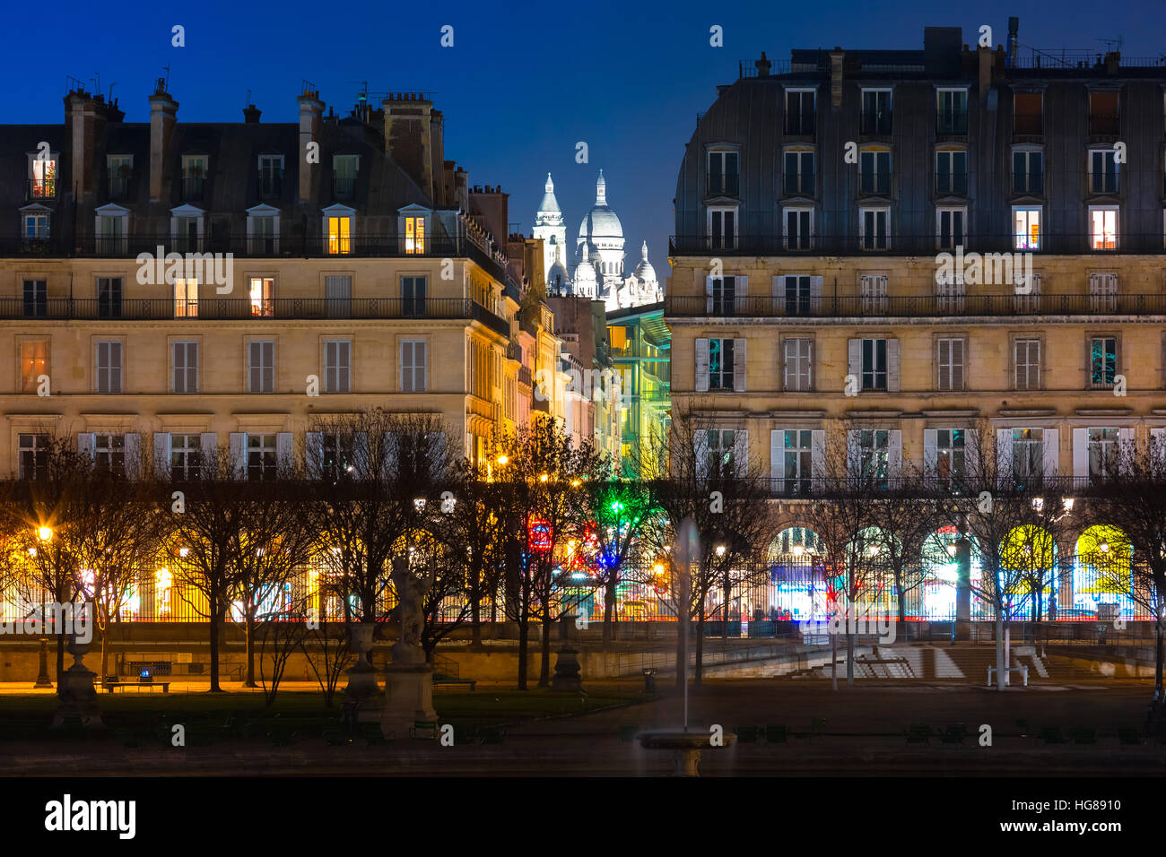 Sacre-Coeur Basilica at night in Paris, Fraance Stock Photo