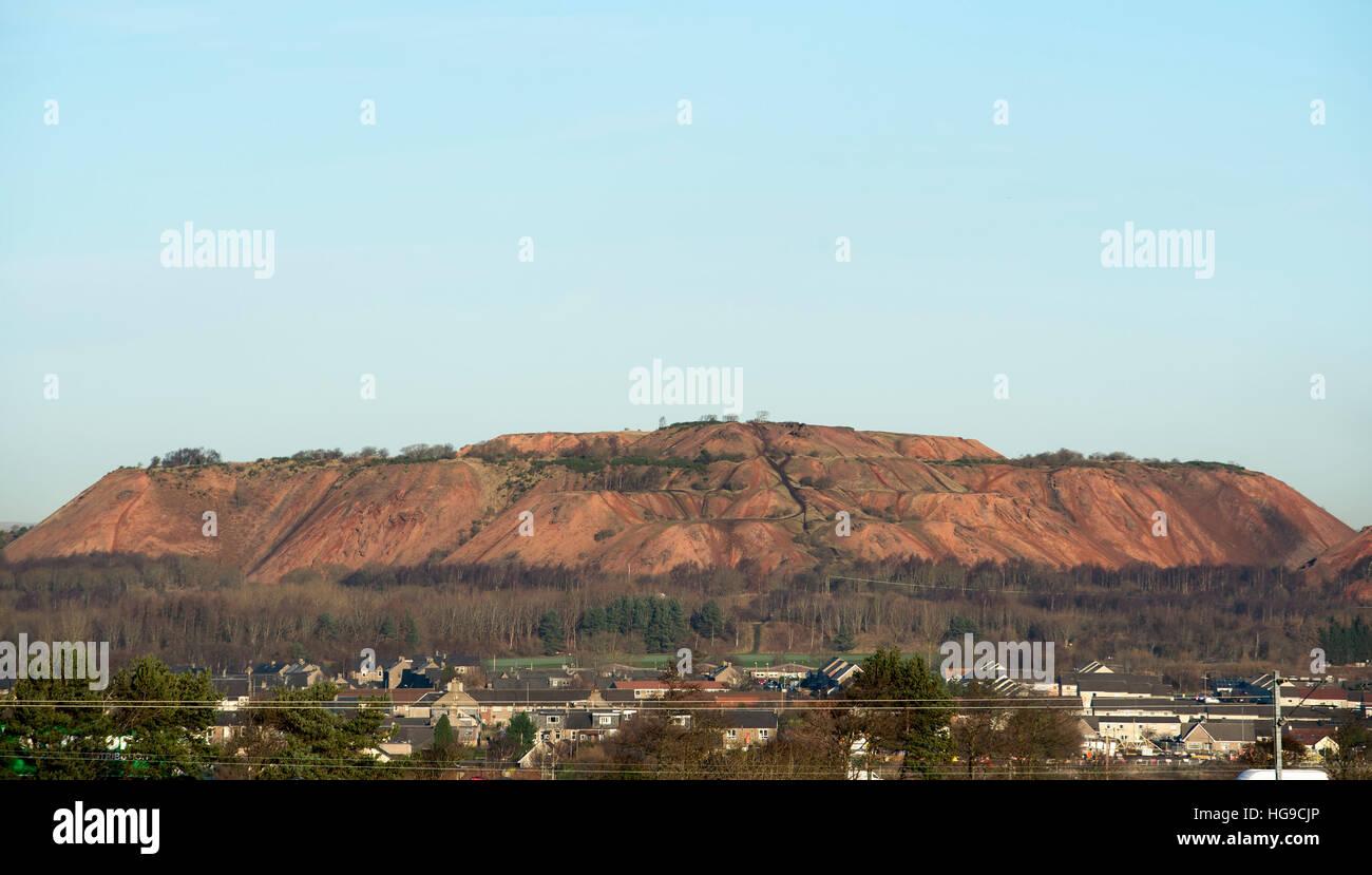 Albyn and Greendykes shale bings near Broxburn, West Lothian. - Stock Image