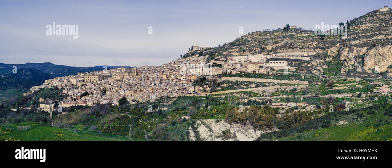 Leonforte, typical Sicilian inland village on the slope of a mountain - Stock Image