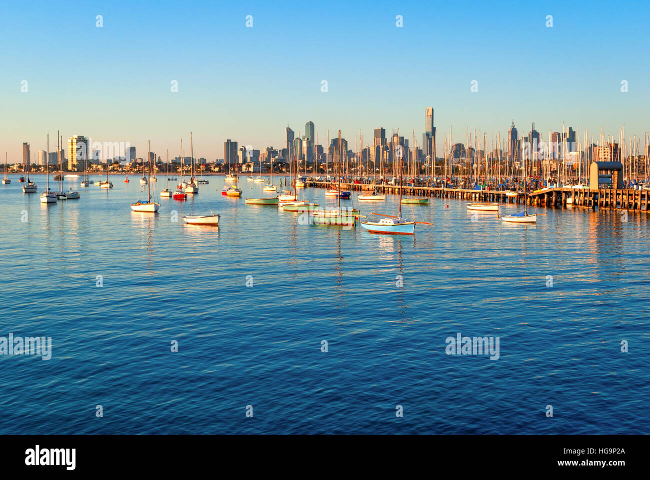 Melbourne skyline from St Kilda at sunset (Victoria, Australia) - Stock Image