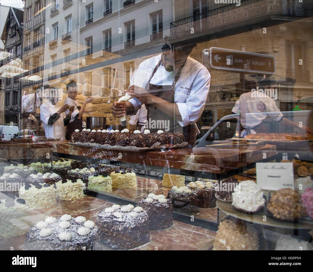 """Patisserie """"Aux Merveilleux de Fred"""", Paris, France Stock Photo"""