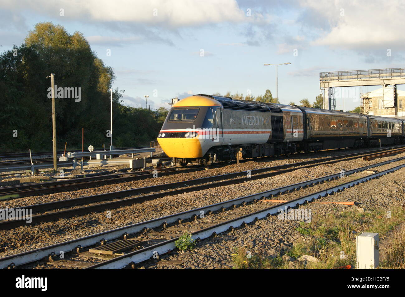 intercity swallow high resolution stock photography and images alamy https www alamy com stock photo hst locomotive no43185 departs platform 3 of swindon station in october 130561065 html