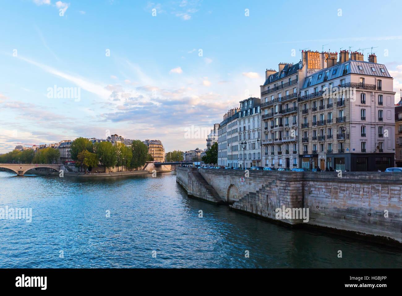 Ile de la Cite in Paris at dusk - Stock Image