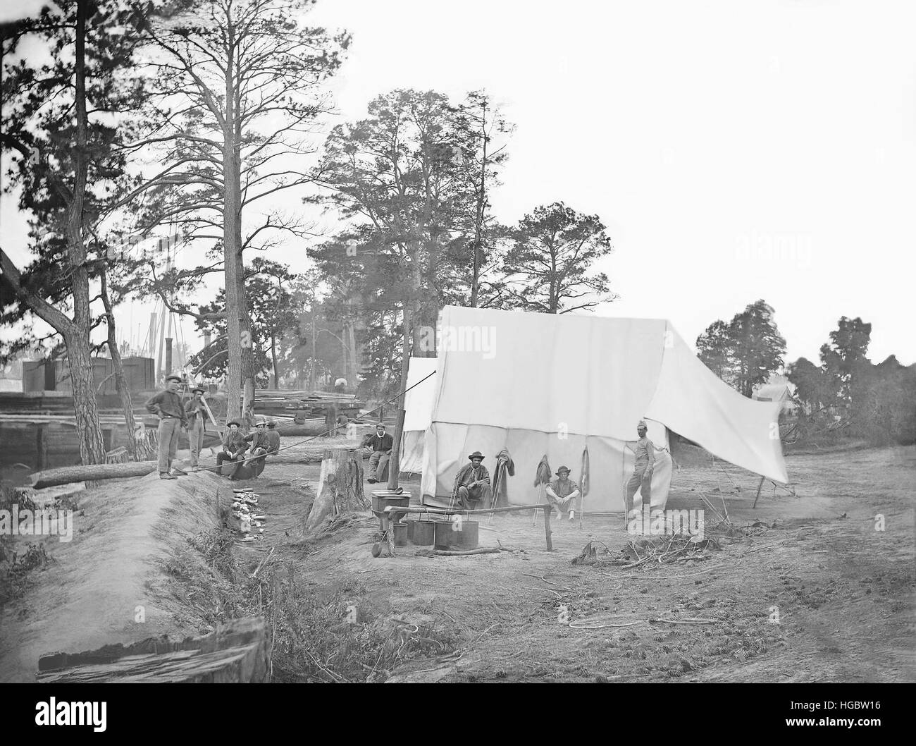 Camp scene showing cook's tent during the American Civil War. - Stock Image