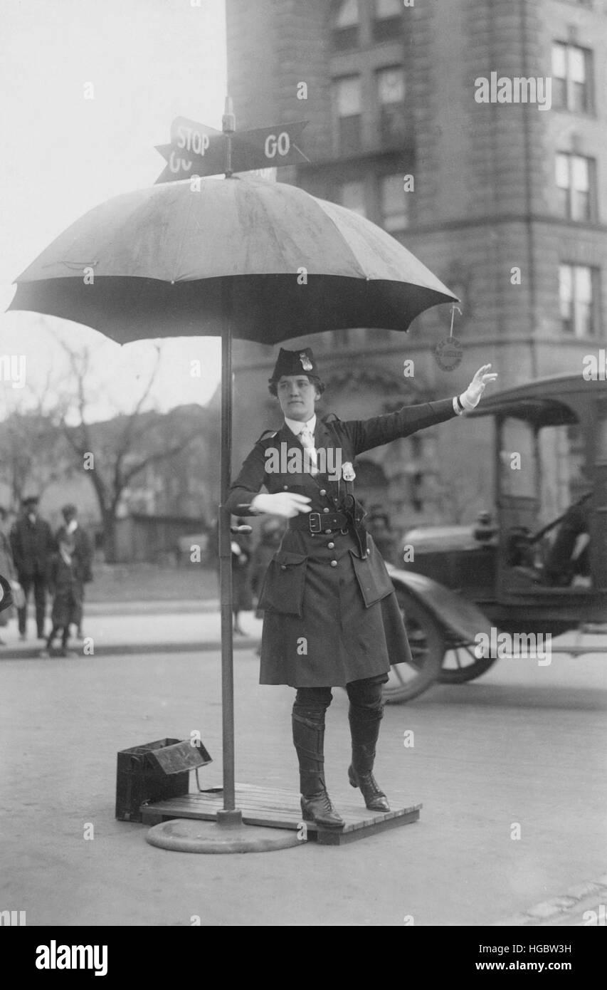 Traffic cop in Washington D.C., circa 1918. - Stock Image