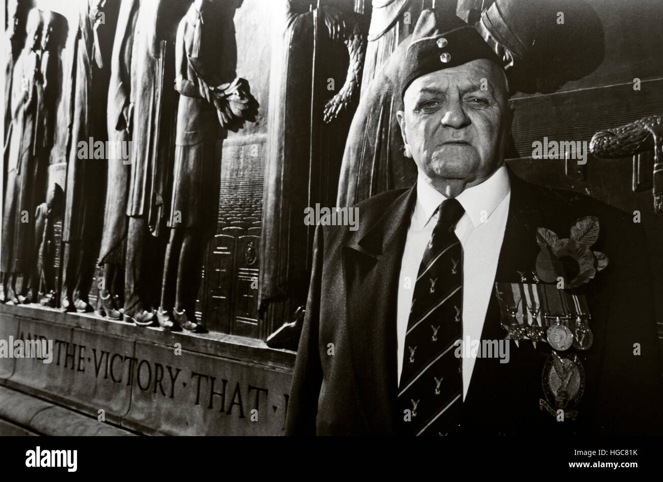 Old soldier at 2nd World war Memorial, Liverpool, Remembrance day - Stock Image